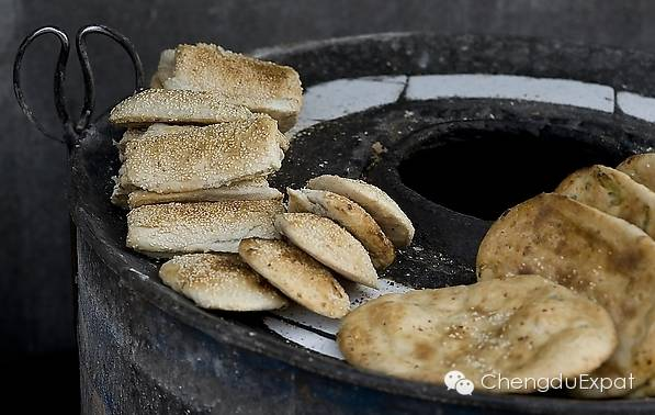 Chengdu Hand Warming Street Snacks for Chilly Days