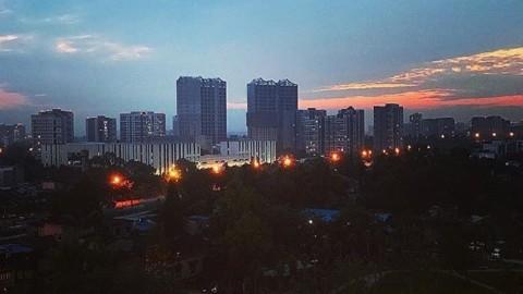 Chengdu sky 🌗 @hunjunyi