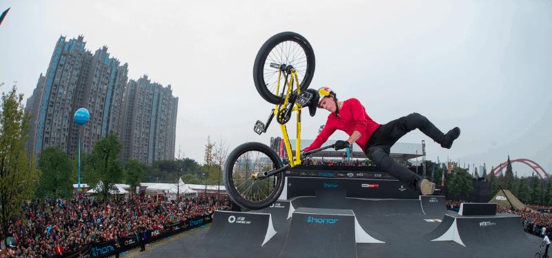 FISE-WORL-CHENGDU-2017-Chengdu-Expat
